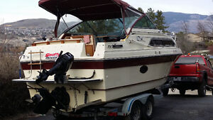 1988 Thundercraft Magnum 250 Express with full stand-up cabin