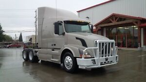 2009 Volvo VNL630 Campbell River Comox Valley Area image 1