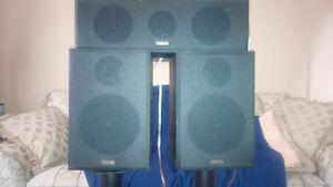Yamaha Surround 2 x bookshelf, center speaker, powered subwoofer Kitchener / Waterloo Kitchener Area image 1