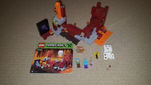 Complete Lego Set - The Nether Fortress (21122)