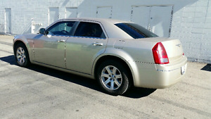 2006 Chrysler 300 low kms great shape