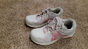 New Balance Woman's Running Shoes - Size: 9.5