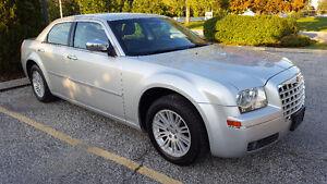 2010 Chrysler 300-Series Touring Sedan Windsor Region Ontario image 6