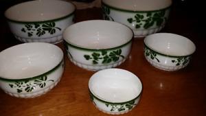 Shamrock Nesting Bowls