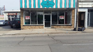 Downtown Grimsby Retail $1200