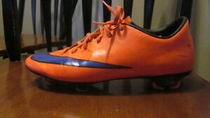Nike Soccer Cleats Size 7