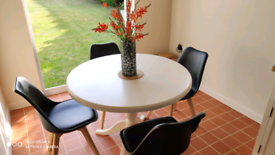 Round dining/kitchen table solid pine