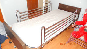 SELLING HOSPITAL BED