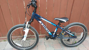 Quality TREK MT 60 boys mountain bike in Excellent condition