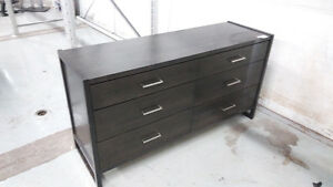 Are you looking  for Quality Dresser and Bedroom Set