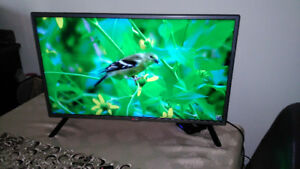 Stylish TV LG 1080P 32 pouces