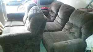 COUCH AND LOVE SEAT FOR SALE !!! Cambridge Kitchener Area image 1