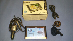GARMIN NUVI 2597LMT GPS WITH GTM25 TRAFFIC RECEIVER LIKE NEW