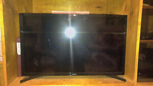 Samsung 33 inch flat screen smart tv