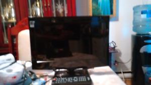 TV marque Dynex 15 pouces. Comme du neuf