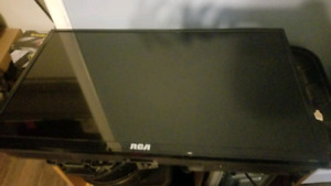RCA TV FOR SALE 32 inch barely used.