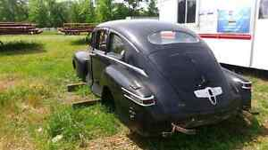 MINT 1947 LINCOLN ZEPHYR BODY WITH INTERIOR London Ontario image 4