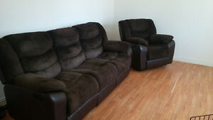 Dual Reclining Couch with Chair