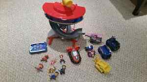 Paw patrol tower and accessories