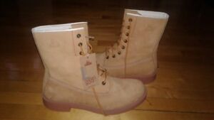 "(KODIAK) DRESS BOOT LIKE ""TIMBERLANDS""SZ 13-NEW-PAID $250-($125)"
