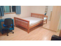 Massive Double with sofa in Residential Area - Central Line, East Acton