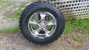 35x12.5x20 Tires with Rims