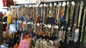 COSTUME JEWELRY WHOLESALE LOT FOR SALE , NEC