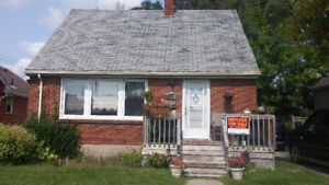 House for Sale by Adelaide and Thompson Rd