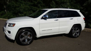 VERY NICE GRAND CHEROKEE OVERLAND WITH V8 5.7 L HEMI ENGINE!