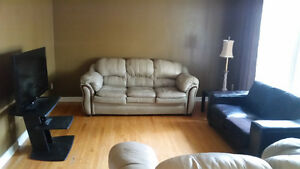 1 Room in FEMALE student house - All Inclusive- NOW AVAILABLE