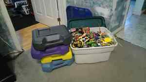 TOTE OF K'NEX FOR SALE!!!!!
