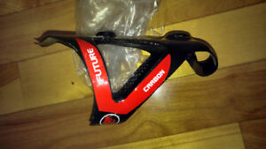 Carbon fiber water bottle cages (2) new