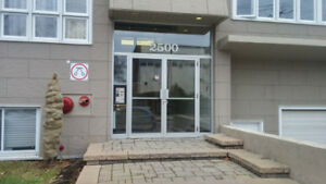 Bureau nouveau alouer/New office for rent at Bates Montreal