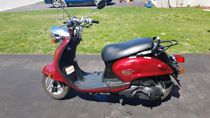 Vino 125 Gas Scooter