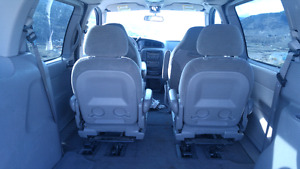 2003 FORD WINDSTAR ...LOW KMS...