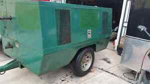 AIR COMPRESSOR MOBILE 185 CFM