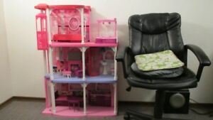 Great deal Barbie Pink 3-Story Dream Townhouse