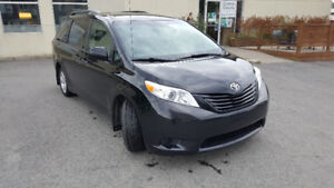 2012 Toyota Sienna CE Familiale