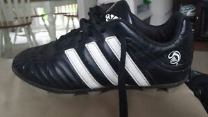 Adidas  Girls Soccer Cleats size 3 for sale $5.00