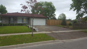 Detached 3+1 bedroom home in Mississauga with Garage