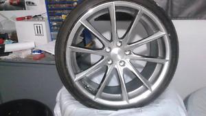 Un mag Braelin et pneus d'été performance 255 35 zr 20