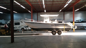 1999 Boston Whaler 260 Outrage, low hours + 2015 Load Rite