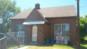 3 bedroom house with 2 bathrooms