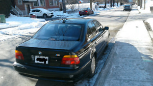 Bmw 528i   m packages  1999 blk