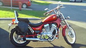 Suzuki intrusder 1993 800cc *** faut voir ***