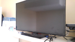 Insignia 32 inch LED tv