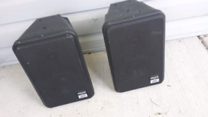 PEAVEY IMPULSE V BLACK INDOOR / OUTDOOR SPEAKERS