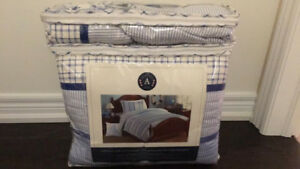 Boys quilt style bedding set full/queen.