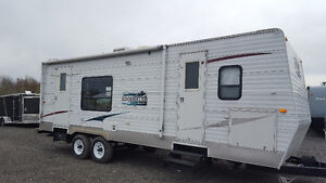 Sunnybrook 26 foot with power slide out in excellent condition