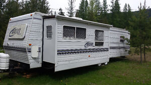 "32' Holiday Trailer w/14' ""pull-out"""
